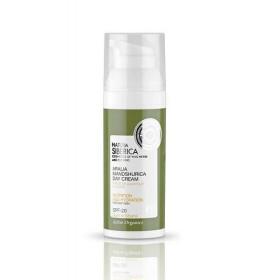 NATURA SIBERICA Aralia Mandshurica Day Cream Κρέμα Προσώπου Ημέρας για Θρέψη & Ενυδάτωση για Ξηρό Δέρμα με Αντηλιακή Προστασία SPF20 Κατάλληλο για Ηλικίες 22+ 50ml